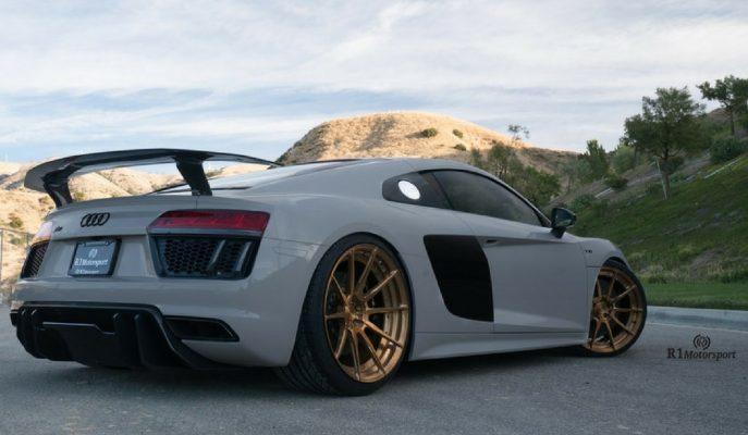 "R1 Motorsport'un Son Eseri ""Audi R8 V10 Plus"""