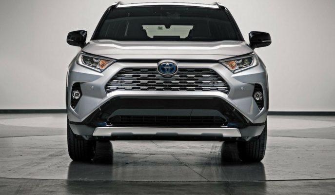 Toyota RAV4'ün 3. Sıra Koltuğu ve EV Ünitesi Hakkında Açıklama Geldi!