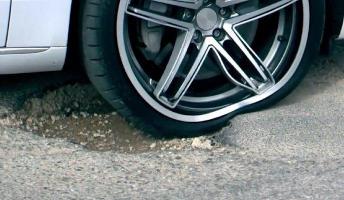 """Araç Lastiklerini Derin Çukurlardan Koruyacak Uygulama: """"Street Bump"""""""