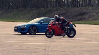 "Sıkı Kapışma Başlıyor: ""Audi R8 vs. Ducati Panigale V4"""