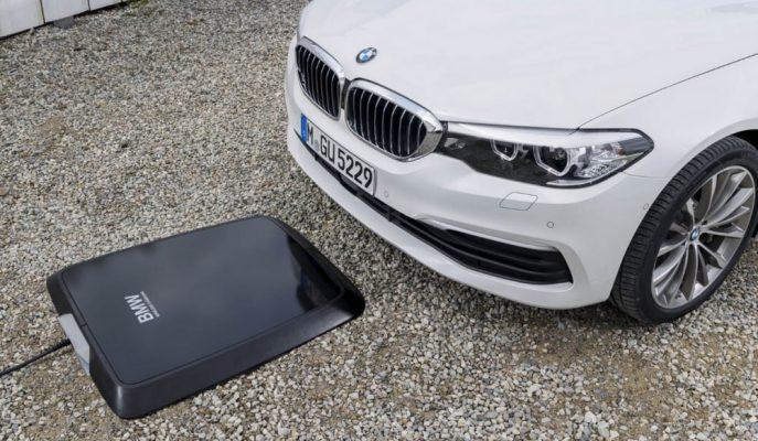 BMW, 530e Modelinde Wireless Kablosuz Şarj Cihazını Sunuyor!