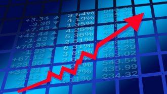Doların 4,56, Euro'nun 5,35'i Geçmesiyle Analistler Beklentilerini Yeniledi