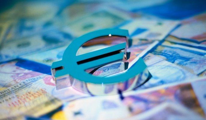 Euro İtalya'daki Siyasi Krizin Etkisiyle Değer Kaybetmeye Devam Ediyor