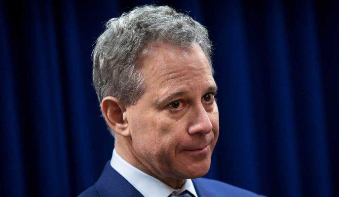 Weinstein'ı Eleştiren New York Başsavcısı İstismar Suçlamalarından Sonra İstifa Etti!