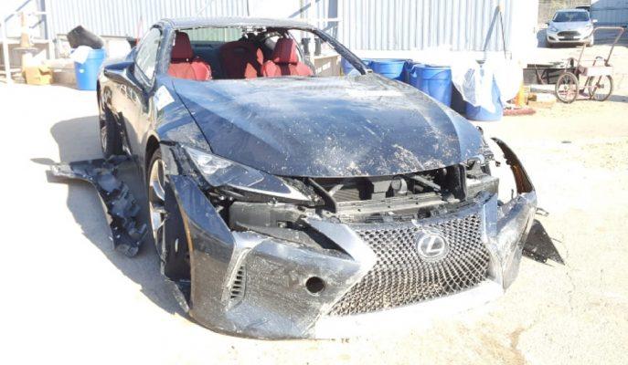 Hurdalıkta Olmaması Gereken Lexus LC500 Açık Artırma Yolunda!