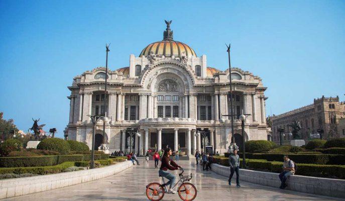 """Meksiko Sakinleri Çinli Mobike'ı """"Bisiklet Kıtlığından"""" Dolayı Topa Tutuyor!"""