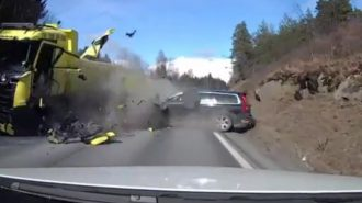 Volvo XC70 Kazası Markanın Ne Kadar Sağlam Olduğunu İspatlıyor!
