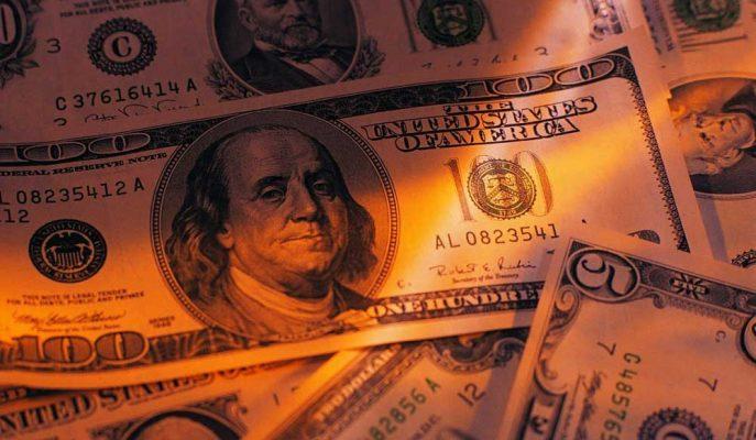 Fitch'e Tepkisi Sınırlı Olan Dolar Haftaya 4,84'ten Başladı