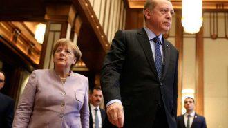 """Angela Merkel Cumhurbaşkanı Erdoğan'ın da Yer Alacağı """"Dörtlü Zirve"""" Sürprizi Yaptı"""