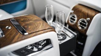 """BMW ve Rolls Royce'nin """"Business Class""""a Düşündüğü Bottoms Up İçeçek Sistemi!"""