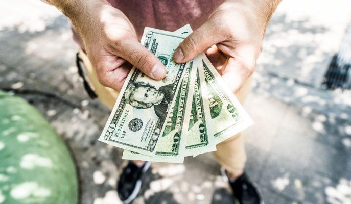 Dolar Kuru ABD'ye Ek Vergi Misillemesi ile Güne Düşüşle Başladı