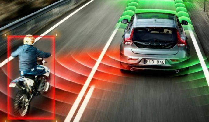IHHS Günümüz Sürücü Destek Sistemlerinin Güvenli Olmadığını Raporladı!