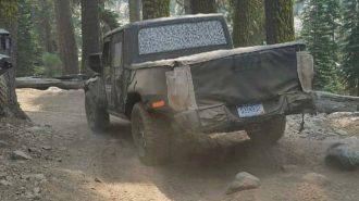 Jeep'in Yeni Scrambler Pick-up'ı Test Sırasında Görüntülendi!