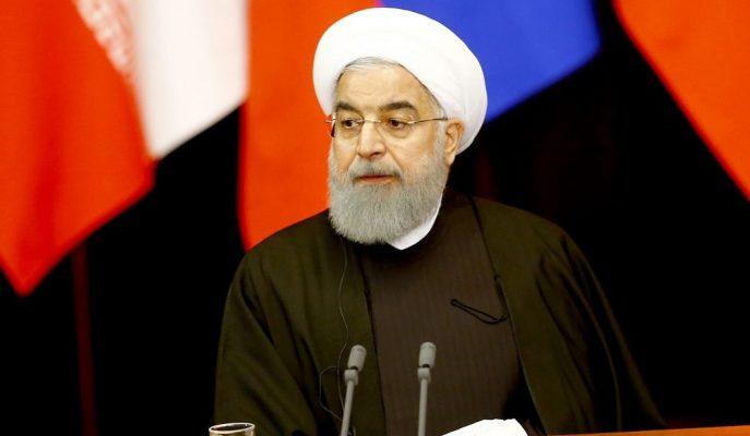 """İran Cumhurbaşkanı: """"Yaptırımlara Rağmen Petrokimya Projeleri Hayata Geçirilecek"""""""