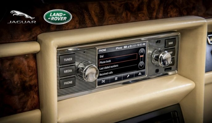 Jaguar-Land Rover'dan Klasik Araçlar için Retro Görünümünlü Eğlence Sistemi!