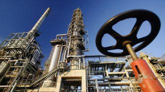 Brent Petrol 82 Dolara Yaklaşırken, Uzmanlar Orta Vadede Fiyatlarda Artış Bekliyor