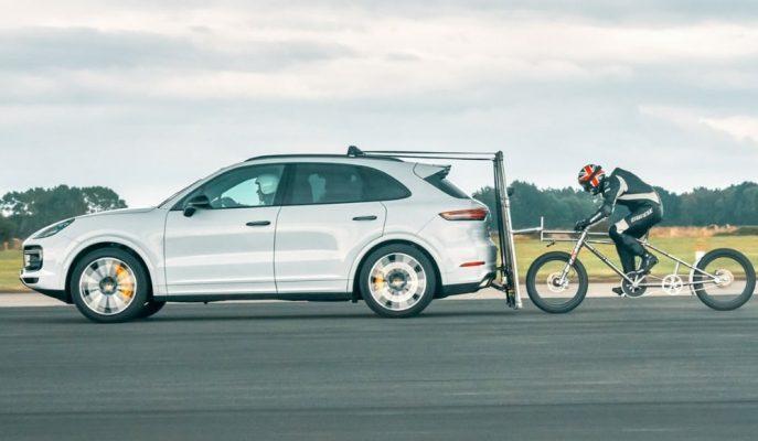 En Hızlı Bisiklete Binme Rekoru Porsche Cayenne Turbo ile Geldi!