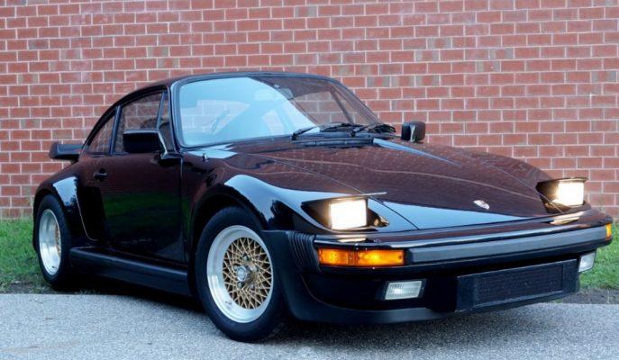 """Porsche'nin Özel Programıyla Üretilen """"930 Slantnose Turbo""""lardan Biri Satışta!"""