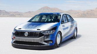 VW Bonneville Jetta'nın 338 km/s'lik Gösterisi!