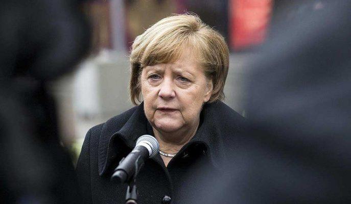 Angela Merkel Hem Başbakanlığı Hem Parti Liderliğini Bırakıyor