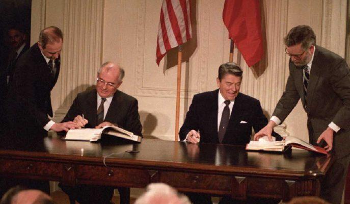 """Gorbaçov: """"Trump'ın INF'den Çekilme Kararı Bariz Bir Hata"""""""