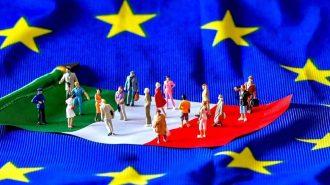 """Moody's İtalya'nın Notunu """"Baa3″e Düşürürken Görünüm Durağan"""