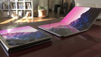 Samsung Katlanabilir Ekran Teknolojisini Notebook'lara Taşıyor