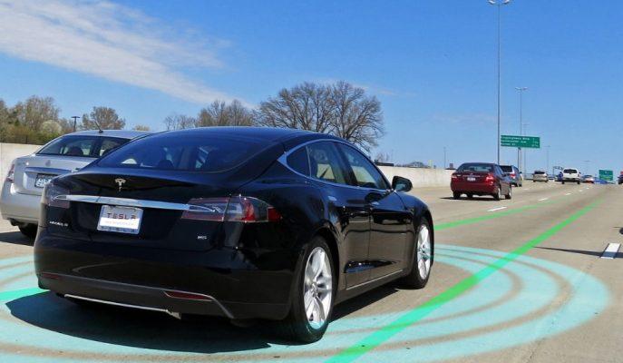 """Tesla """"Tam Otonom Sürüş"""" Seçeniğini Şimdilik Araçlarında Durdurdu!"""