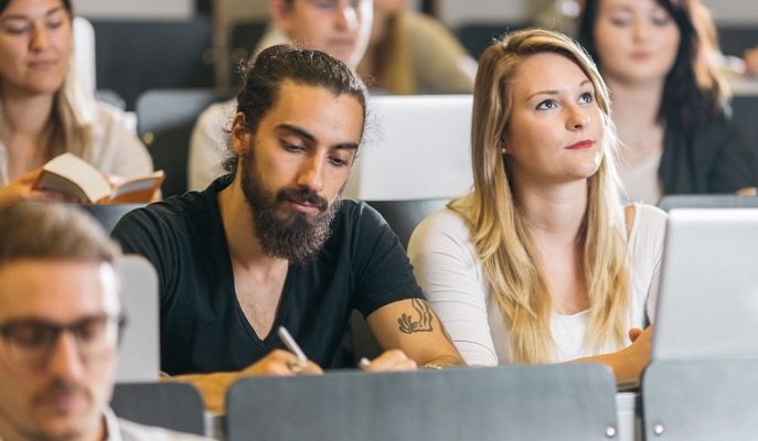 2017'de Türkiye'den Göç Edenlerin Yarısı Genç ve Yüksek Eğitimlilerden Oluştu