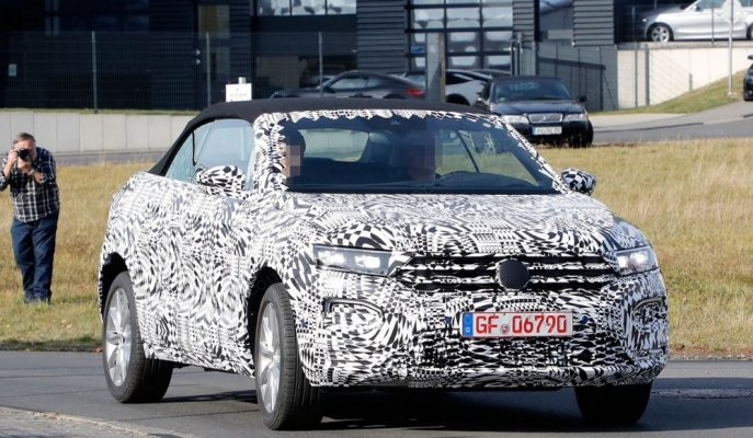 VW'nin Başlarda Gereksiz Dediği Cabrio SUV Adayı T-Roc Görüntülendi!