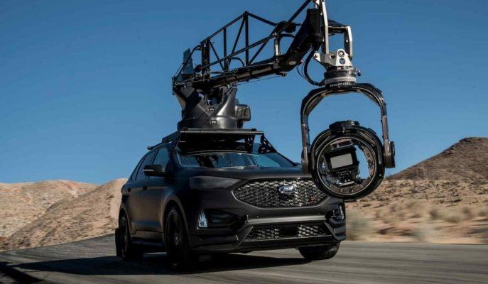 """Mat Gövdesiyle Film Setlerin En Yeni Kameramanı """"Ford Edge ST"""""""