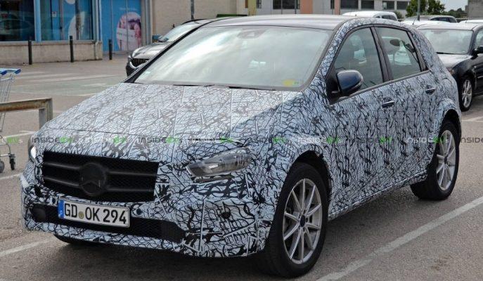 Mercedes Tamamı Elektrikli EQB'nin Prototipini Sokaklara Çıkardı!