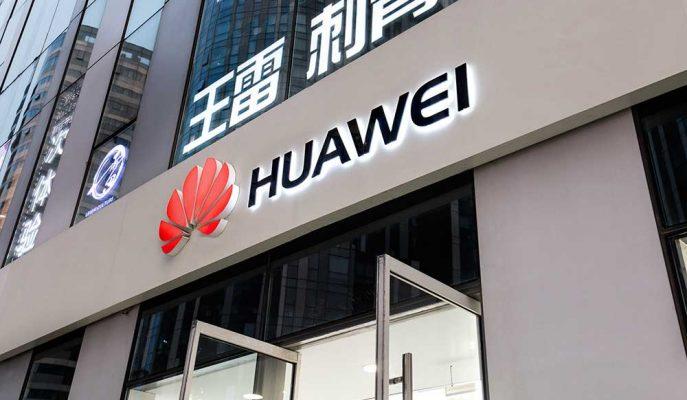 Çinli Teknoloji Devi Huawei Apple'ın Önünde Olmaya Devam Ediyor