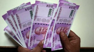 Petroldeki Düşüş Hindistan'a Yararken Rupi 7 Haftanın Zirvesini Gördü