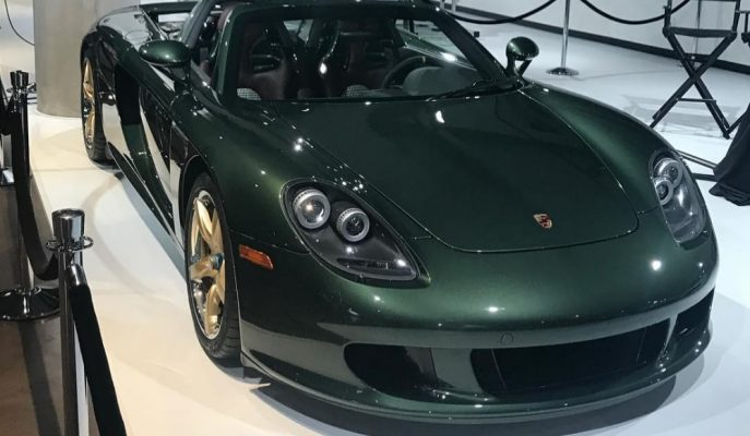 """Porsche'nin En Özel """"Oak Green Metallic"""" Rengiyle Satışa Çıkan Carrera GT'si!"""