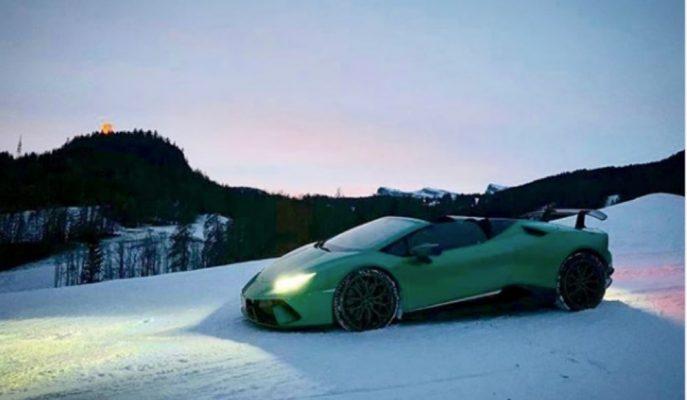 Lamborghini Huracan Spyder'ın Karlı Tepelere Tırmanışını İzleyin!