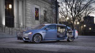 "Lincoln'den Continental'e 80. Yıl Özel Hediyesi: ""Coach Door Edition"""