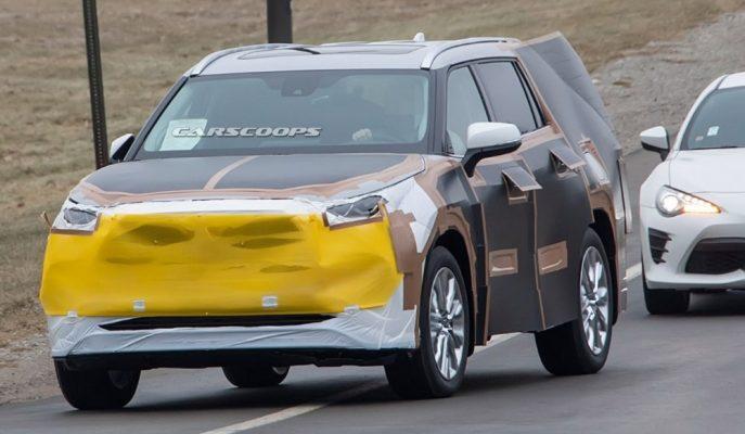 2020 Toyota Highlander Tuhaf Kamuflajıyla 4. Nesline Hazırlanıyor!