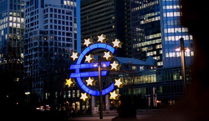 Avrupa Merkez Bankası Bölgedeki Zayıf Büyüme Ortasında Faiz Oranlarını Değiştirmedi