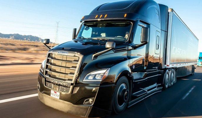 """Daimler'in Dünyadaki İlk 2. Seviye Otonomlu Kamyonu: """"Freightliner Cascadia"""""""