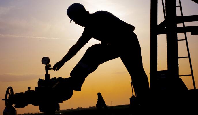 Brent Petrol Üretim Kısıntısı Endişelerinin Azalması ile 62 Dolara Yükseldi