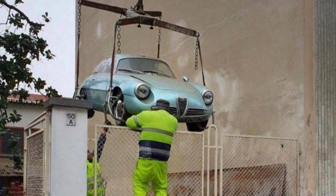 650 Bin Dolarlık Alfa Romeo Giulietta SZ 35 Yıl Sonra Güneşle Buluştu!