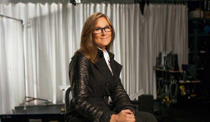 Apple'ın Perakende Şefi Angela Ahrendts 5 Yılın Ardından Şirketten Ayrılıyor