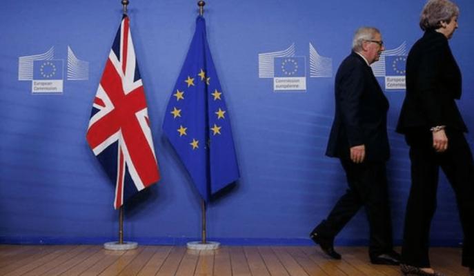 Brexit'te Theresa May'in Milletvekili Kaybını Önleyecek Hamlesi, 3 Aylık Erteleme!