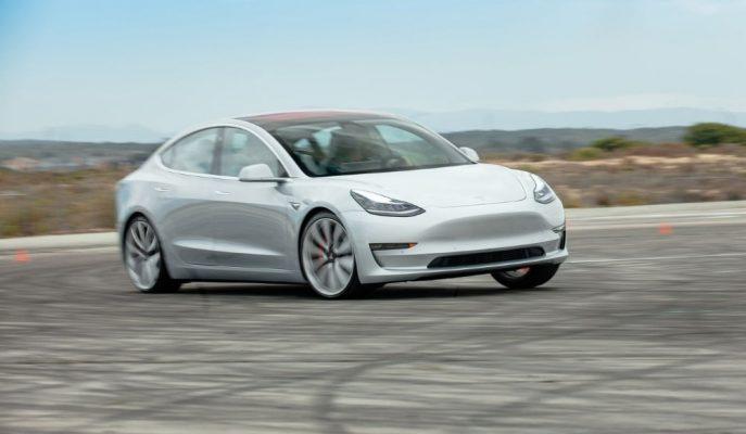 Tesla Yeni Güncelleme ile Model 3'ün Çalınmasına İmkan Vermeyecek!
