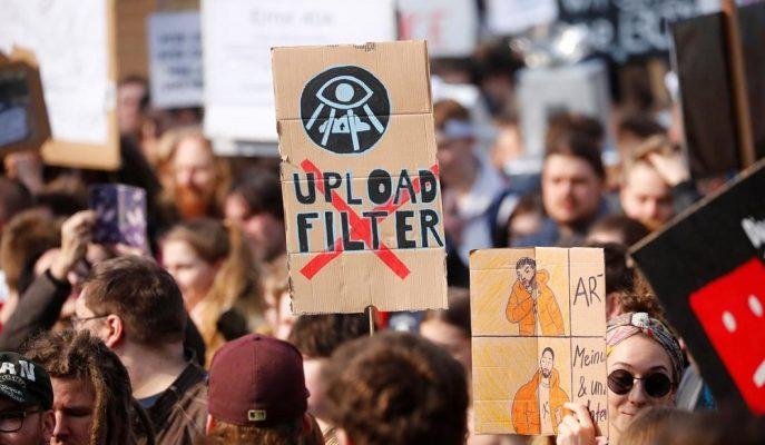 AB Telif Hakkı Yasasına Hem Teknoloji Devleri Hem de Kullanıcılar Karşı Çıkıyor