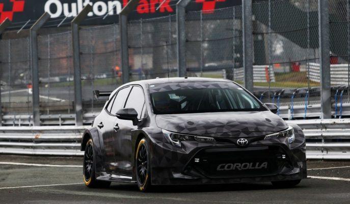 Yeni Corolla BTCC için Touring Araç Kostümünü Giydi!