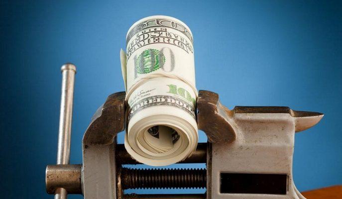 Dolar Merkez Sonrası 5,44'ü Aşarken Ekonomistler Faiz Kararını Yorumladı