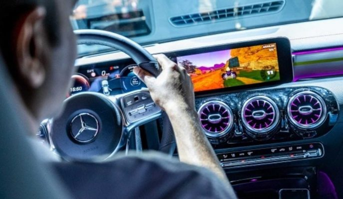 """Mercedes, Otomobillerini Daha Eğlenceli Yapmak için """"Araç İçi Oyun"""" Yarışması Başlattı!"""