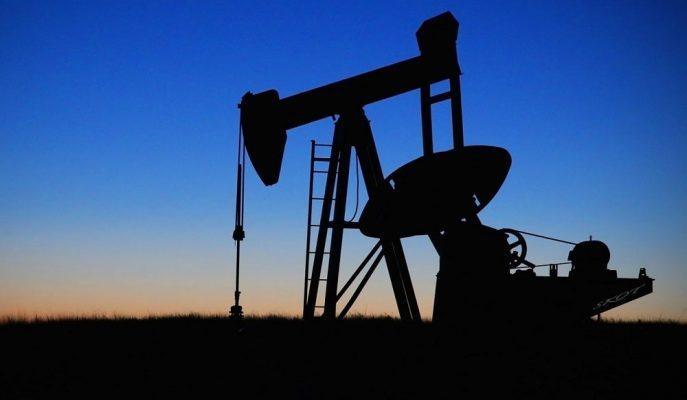 Petrol Fiyatları Venezuela'nın Arzı Daha da Kısacağı Beklentisiyle Yükseldi